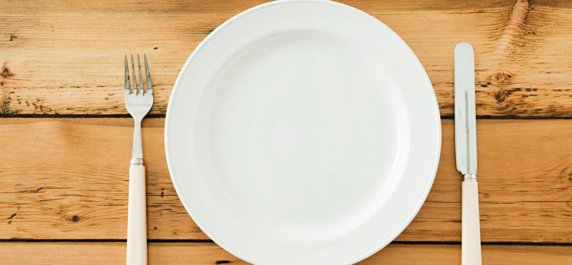 Plate and Cutlery Image